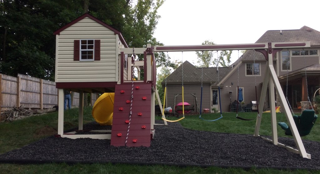 Amish Vinyl Swing Sets Pittsburgh Swing Sets And Amish Lawn